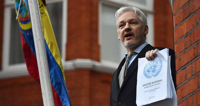 Assange é suspeito de