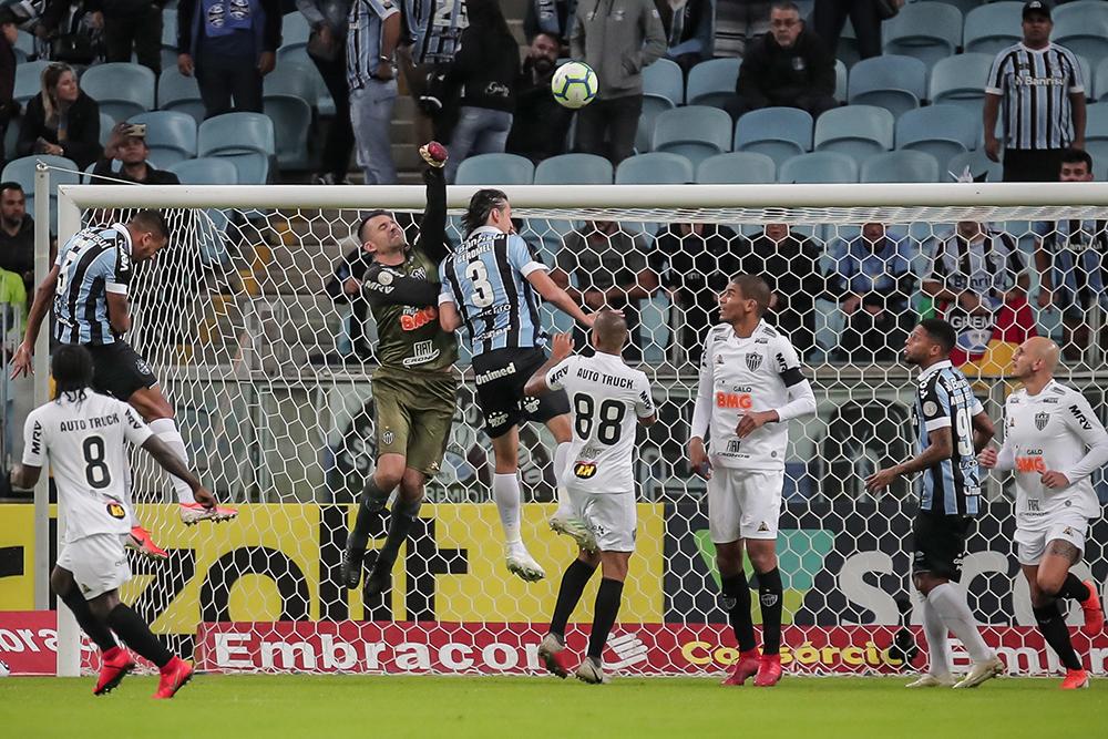 Partida entre Atlético e Grêmio no Estádio Arena do Grêmio pelo Campeonato Brasileiro 2019.