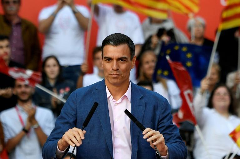 (23 mai) O chefe de governo espanhol, Pedro Sánchez, faz campanha em Barcelona para as eleições europeias