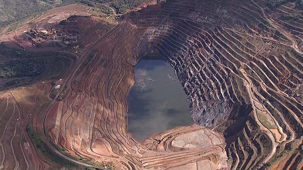 Parte de talude de mina da Vale se desprende em Barão de Cocais nesta sexta-feira (31).