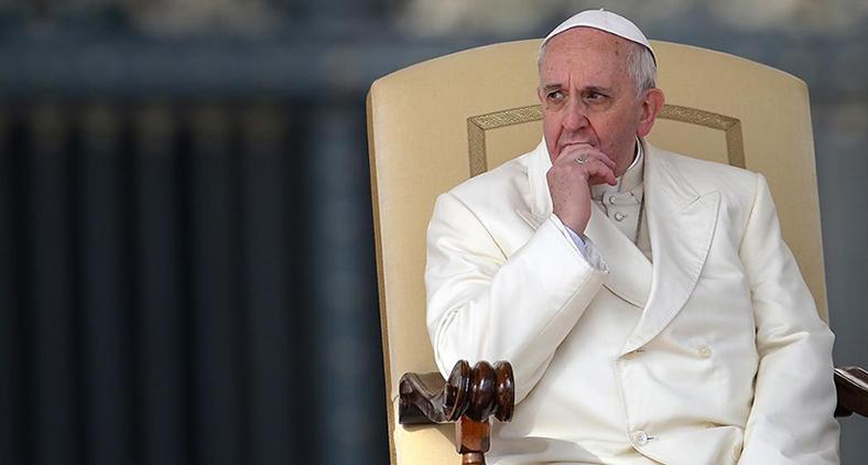Há coisas muito sérias com as quais Francisco precisa lidar, como a pedofilia, reforma da Cúria e os posicionamentos frente a políticas globais que contrariam a lógica do Reino. (AFP)