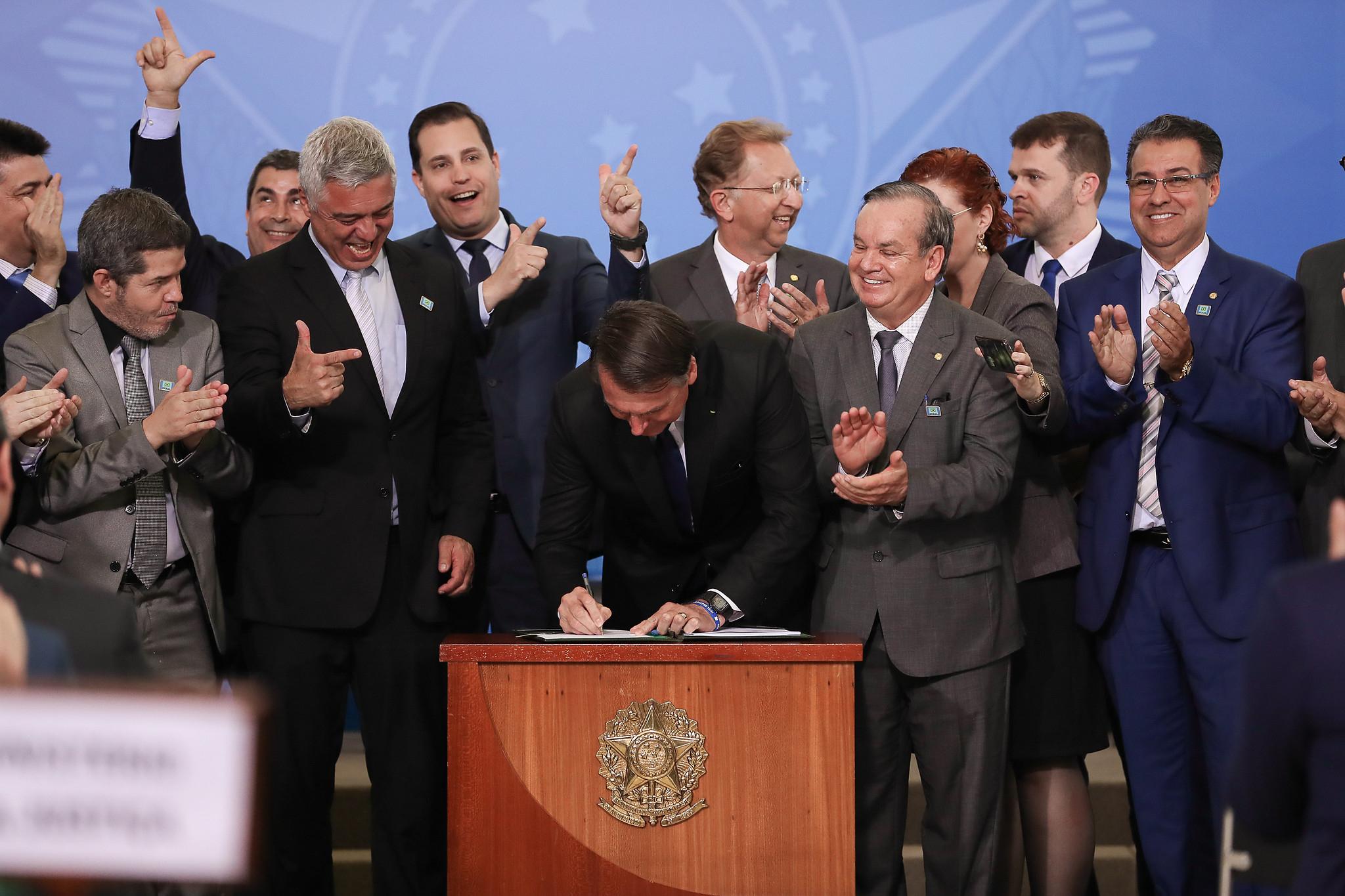 O Estatuto do Desarmamento é uma lei penal em branco.
