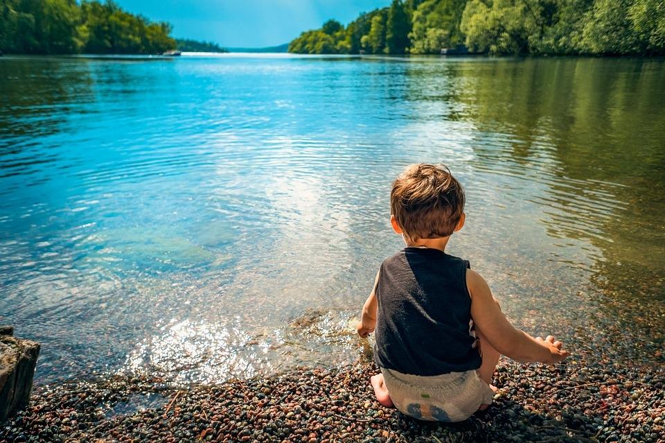 Enfim, tem coisas que só a saudade conhece, e é preciso sentir saudade dessas coisas que o tempo não apaga.
