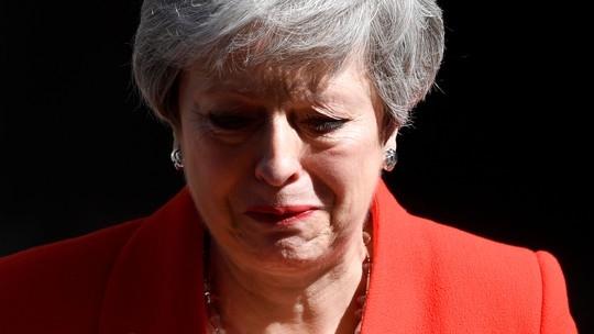 Theresa May, a senhora empenhada e voluntariosa que estava a tentar manter o país acima da linha d'água, teve ontem o seu 'day'.
