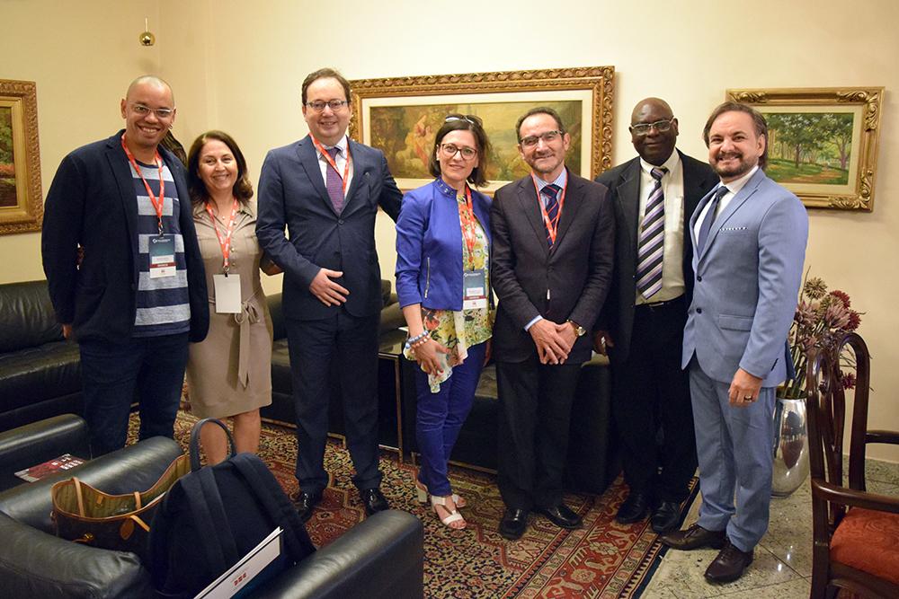 Professores participam de congresso internacional na Dom Helder.