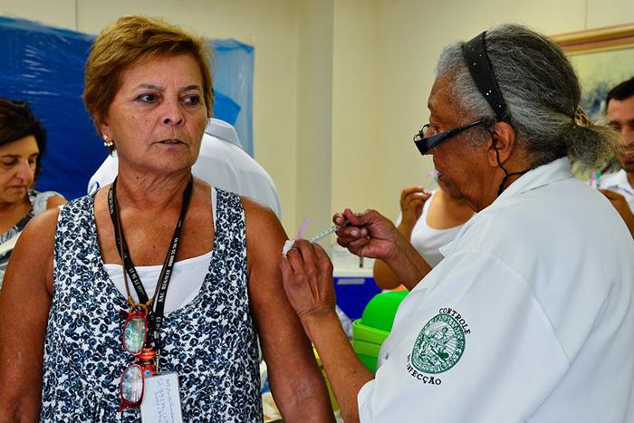 Quem faz parte dos grupos prioritários da campanha de imunização e ainda não se vacinou deve procurar um centro de saúde.