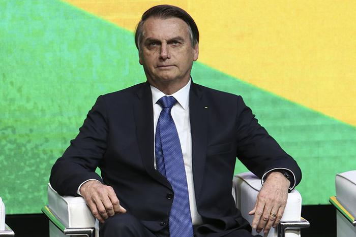 No decreto, Bolsonaro acaba com a remuneração para esses cargos, que passarão a ser ocupados por voluntários aprovados por ele.