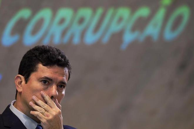 Mensagens trocadas com procuradores da Lava Jato mostram suposta participação de Moro no caso que resultou na prisão de Lula