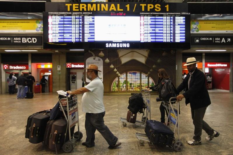 Bolsonaro já fez declarações contraditórias sobre a questão das bagagens.