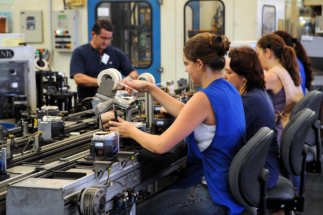 Se o PIB brasileiro contabilizasse as horas não pagas às mulheres, haveria um crescimento de 11%.