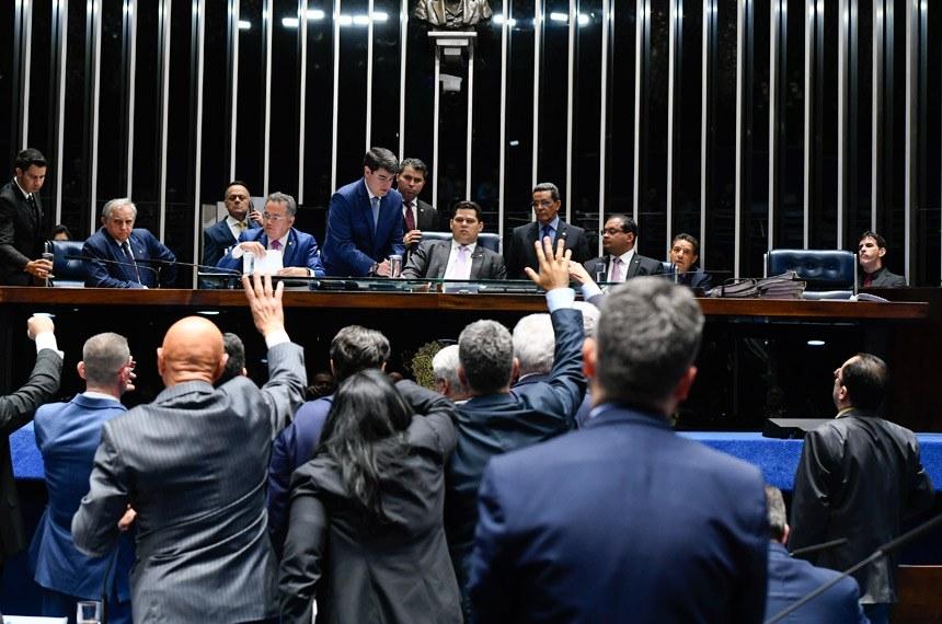 Para consultores do Senado, há pelo menos nove pontos em que o decreto de Bolsonaro extrapolou o caráter regulamentar mesmo depois de ter sido alterado pelo presidente.