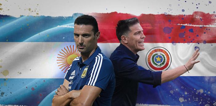 Lionel Scaloni e Eduardo Berizzo, técnicos de Argentina e Paraguai, estudam novas técnicas para o jogo de hoje.