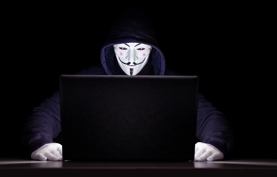 Hacker se passou por Sergio Moro em aplicativo Telegram