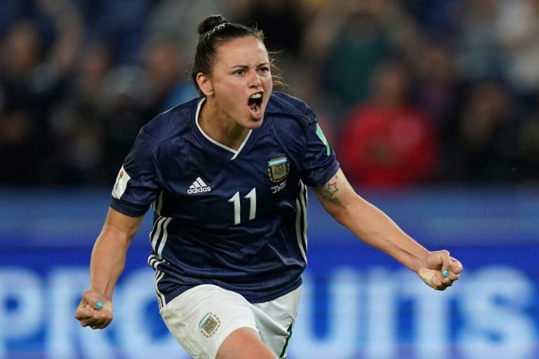 Florencia Bonsegundo marcou o gol de empate da Argentina diante da Escócia após uma segunda cobrança de pênalti e manteve as chances da 'aAlbiceleste' de avançar às oitavas de final da Copa do Mundo feminina