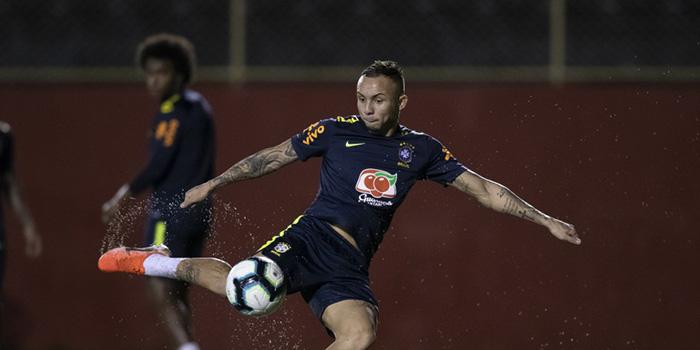 Everton, do Grêmio, deve ser uma das novidades no time titular
