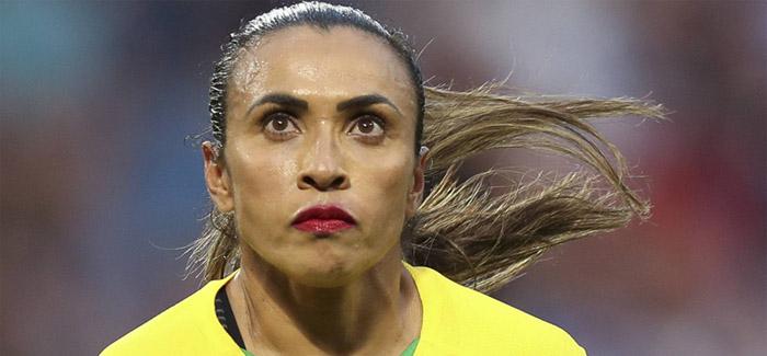 Brasil foi eliminado por 2 a 1, na prorrogação, pelas oitavas de final.