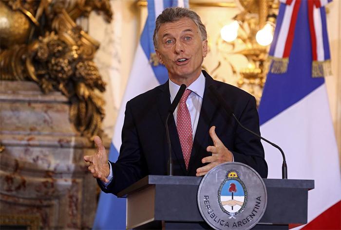 Macri, que tenta se reeleger por mais quatro anos, terá como principal opositor o candidato Alberto Fernández, que tem como vice Cristina Kirchner.