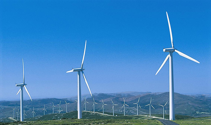 Energia solar fotovoltaica e eólica agora são opções comumente usadas no setor de energia.