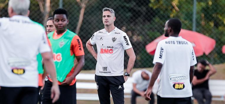 'Não muda nada. Muda só o título, de interino para treinador. O mesmo Rodrigo vai permanecer aqui'