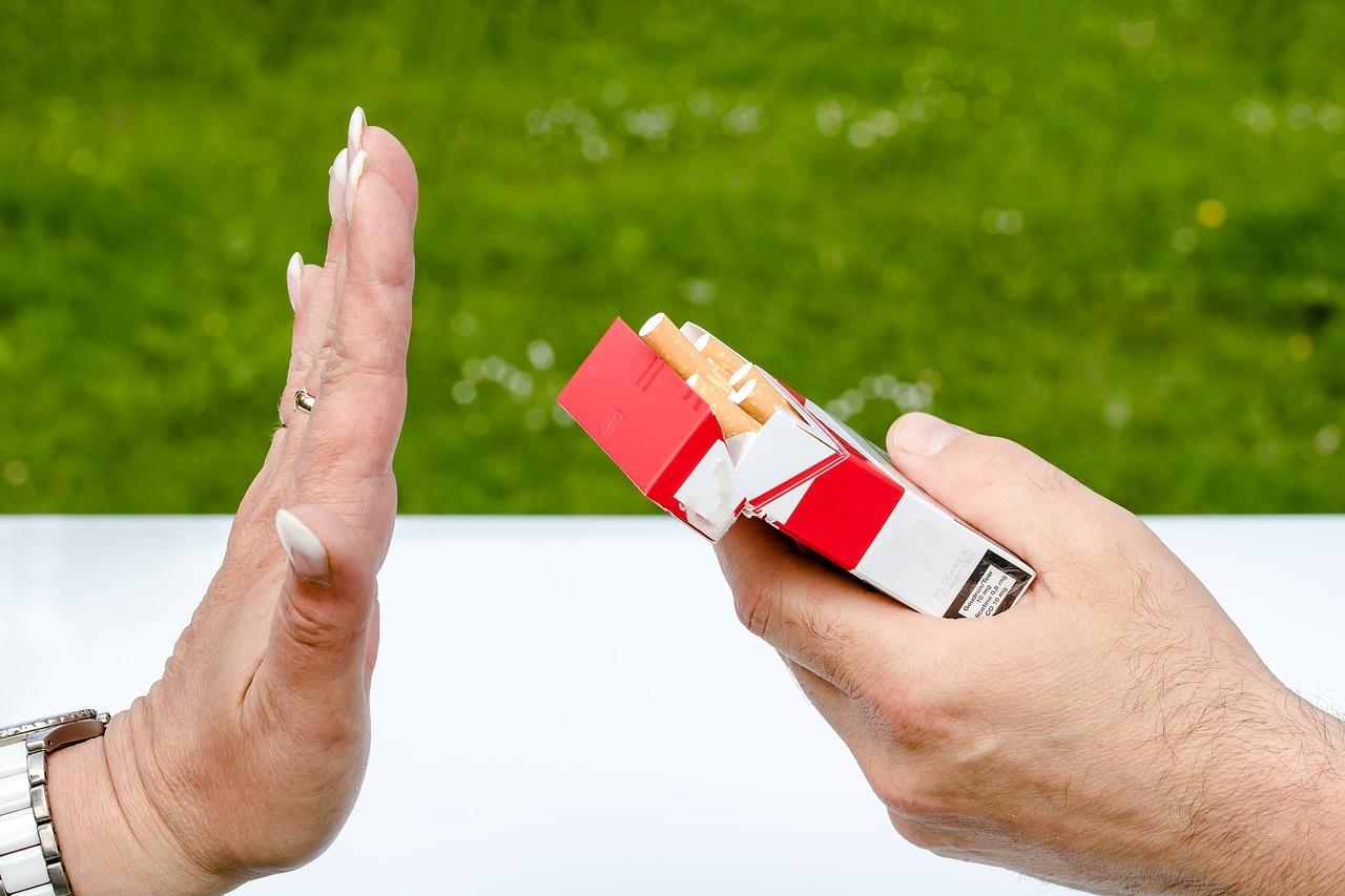 O fumo contribui para mortes em todo o planeta. Dez por cento da população brasileira é de fumantes.