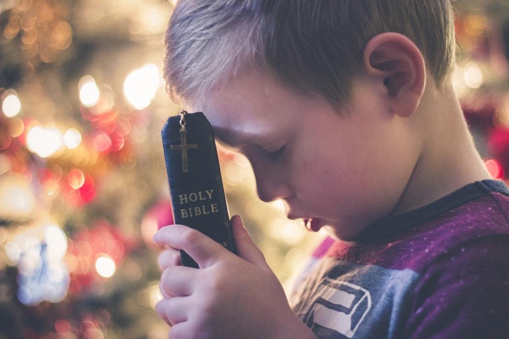 A fé da criança é a da entrega, a fé infantil é a da dependência.
