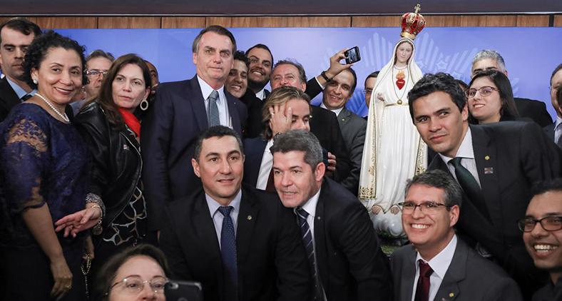 O presidente Jair Bolsonaro participa do Ato de Consagração do Brasil a Jesus Cristo por Meio do Imaculado Coração de Maria, no Palácio do Planalto. (Marcos Corrêa/ Agência Brasil)