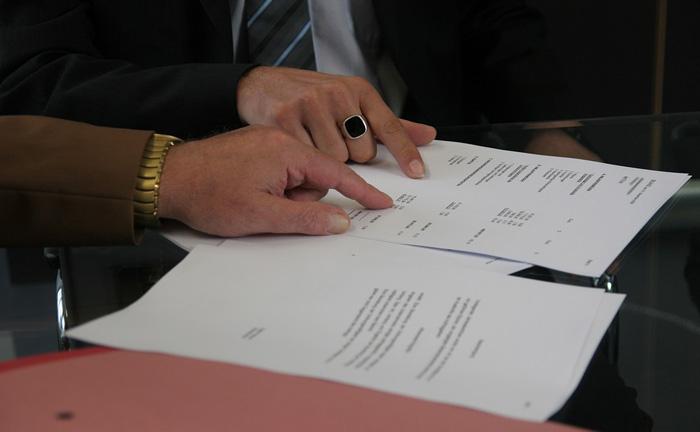O ideal é sempre buscar a assinatura de acordo ou contrato de confidencialidade para garantir a exclusividade no uso do conhecimento ou know-how.