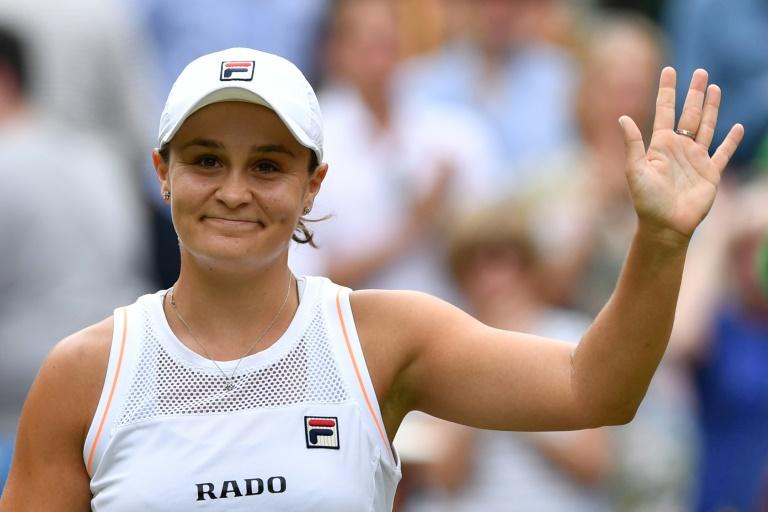 A australiana Ashleigh Barty venceu Harriet Dart e se classificou para as oitavas de final de Wimbledon
