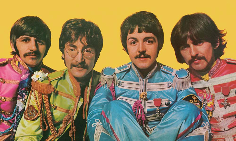 Sgt. Pepper's Lonely Hearts Club Band é um dos discos mais icônicos da  história da música.