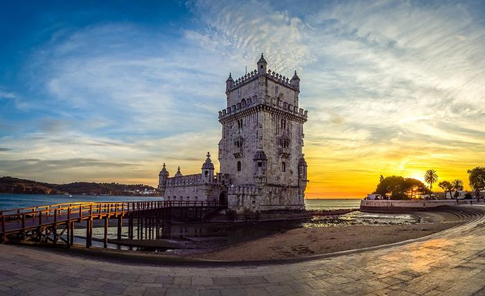 Na sua maioria, os cidadãos brasileiros passam a residir nos distritos de Lisboa (42.847) Porto (12.994) e Setúbal (10.728), onde há mais oferta de empregos.