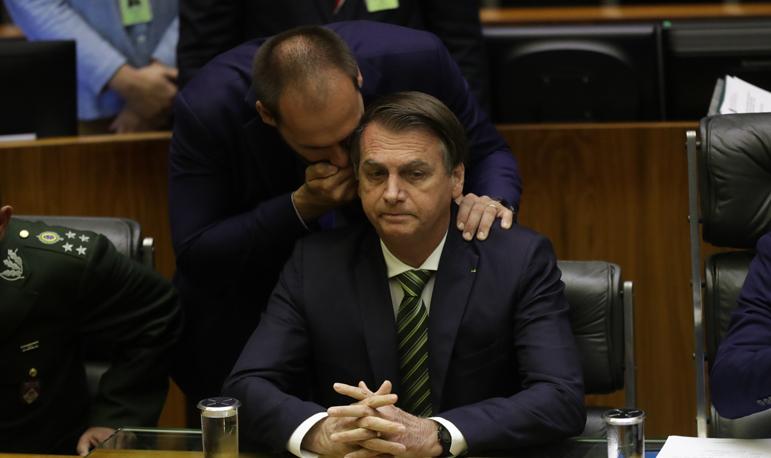 Presidente defende indicação de Eduardo Bolsonaro para embaixada em Washington