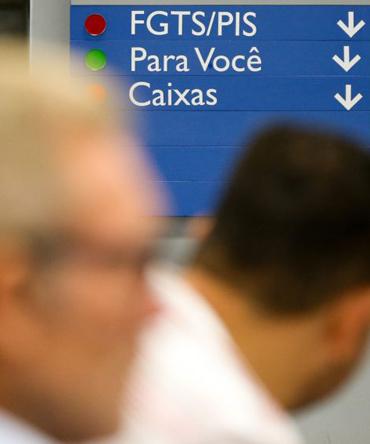 O trabalhador que tem mais de R$ 50 mil só poderia sacar 10% do saldo total (Marcelo Camargo / Agência Brasil)