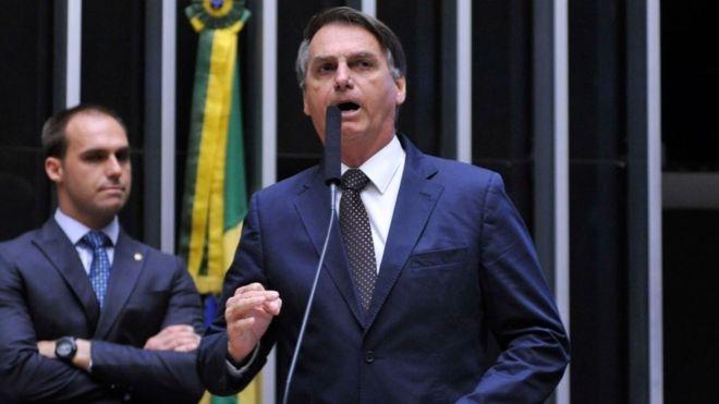 Presidente disse que já decidiu indicar o filho Eduardo Bolsonaro para embaixada nos Estados Unidos