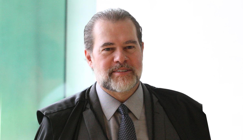 Criticado após decisão monocrática que suspendeu processos, ministro diz que liminar não impede as investigações