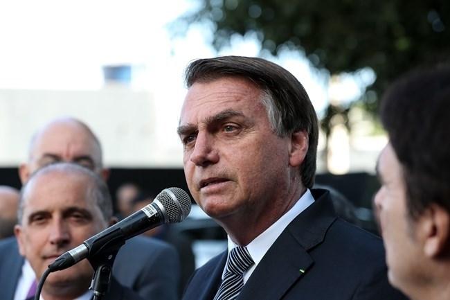 Bolsonaro vem sendo alvo de críticas após fazer comentário sobre governadores do Nordeste.