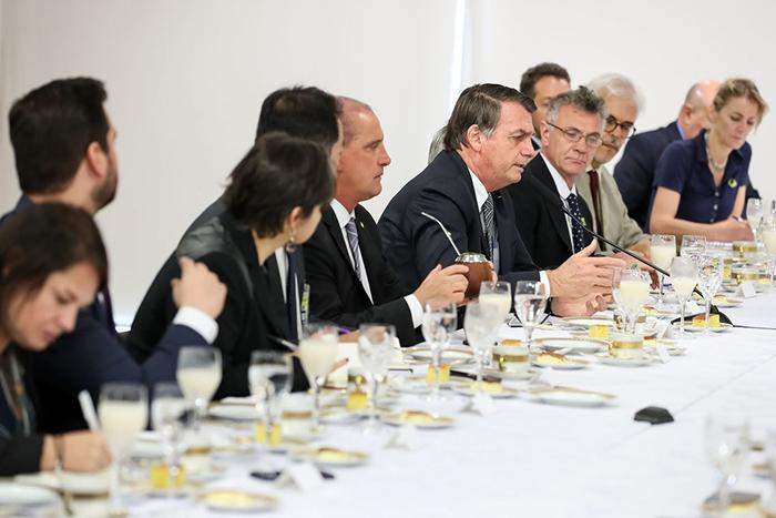 O integrante da Comissão da Anistia, general da reserva Luiz Rocha Paiva, criticou as declarações de Bolsonaro: o comentário foi