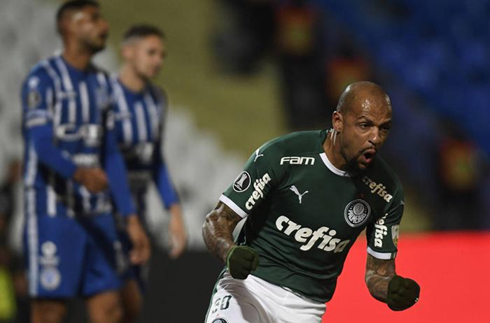 O resultado é bom para o time brasileiro que agora pode até empatar por 0 a 0 ou 1 a 1 que avançará à próxima fase por causa da regra de desempate através do gol fora de casa.