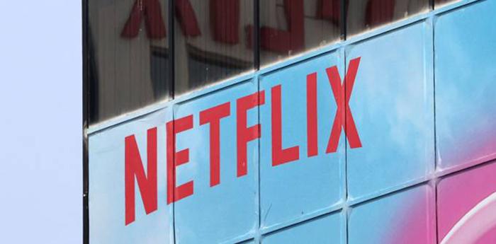 Hollywood sente a ameaça da Netflix, que venceu quatro estatuetas do Oscar na última cerimônia.
