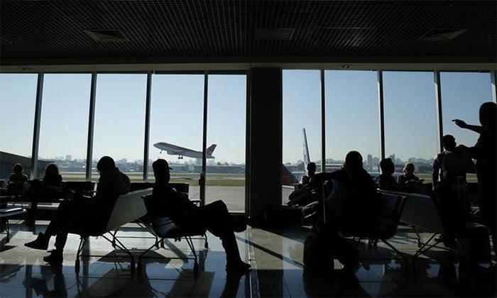 A empresa aérea tem responsabilidade objetiva e terá que pagar ao passageiro R$ 8,5 mil por danos morais e cerca de R$ 3 mil por danos materiais.