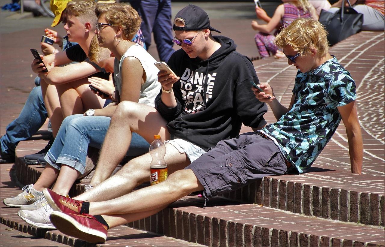 Na última década, os telefones celulares passaram a dominar nossas vidas diárias.