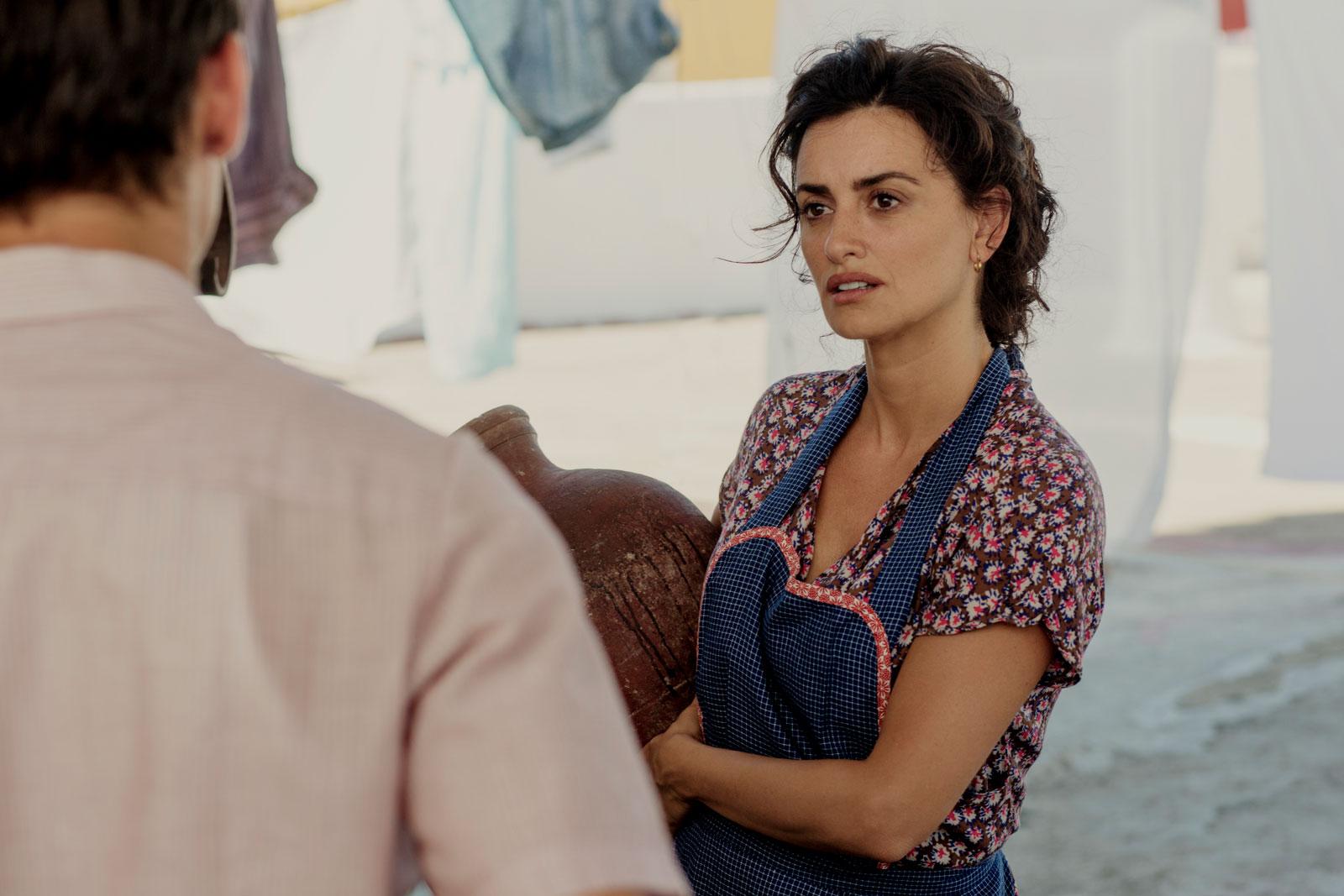 Longa conta com a participação do ator Antonio Banderas e e da atriz Penélope Cruz.