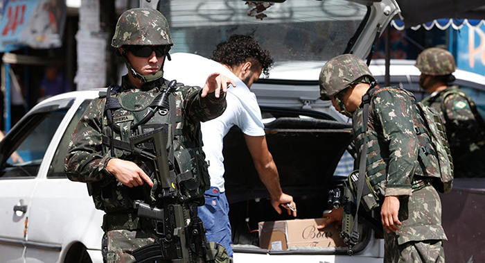 Na Justiça Militar, 12 são réus por homicídio qualificado, tentativa de homicídio e omissão de socorro.