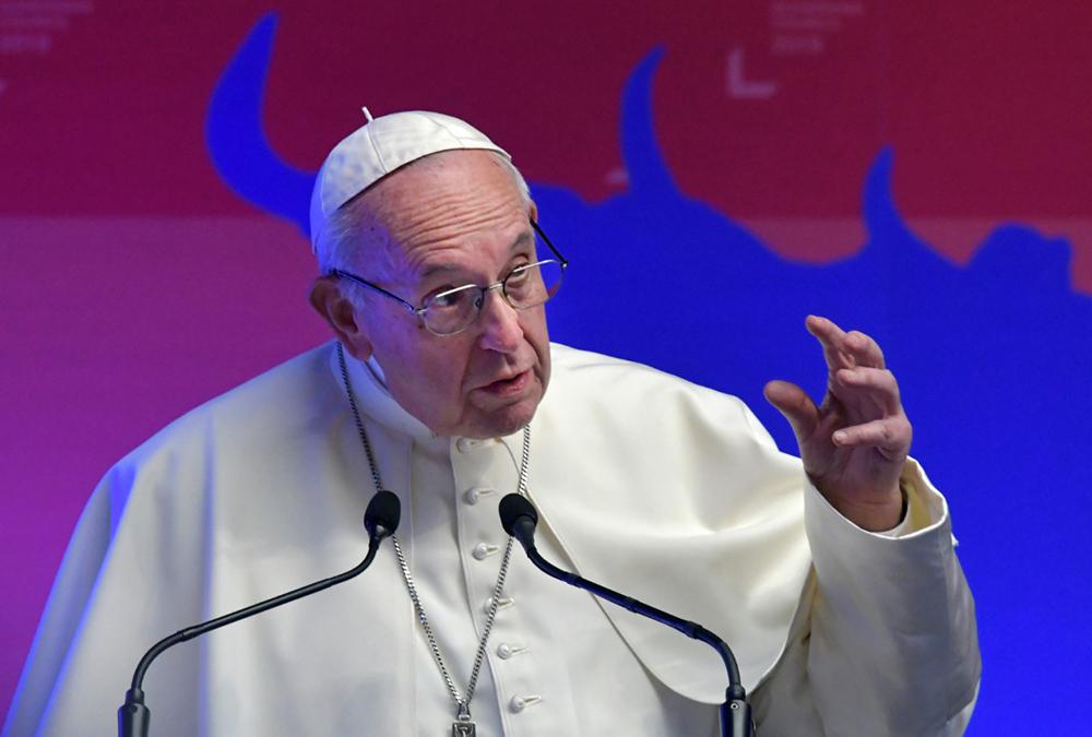 O cristão, por excelência, é chamado a atuar com discernimento e a identificar a raiz dos problemas que assolam a sociedade. E é o que papa Francisco vem fazendo.