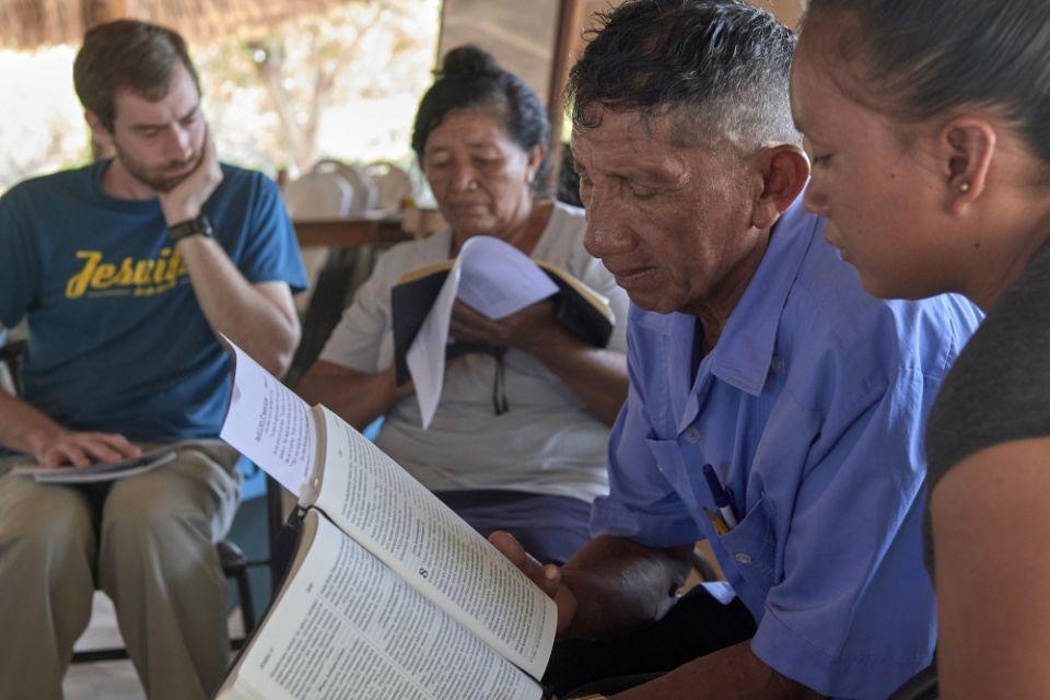 Oficina planejada por jesuítas para ajudar os leigos a melhorarem sua leitura das Escrituras dominicais em seus próprios idiomas, para que possam liderar melhor as liturgias em suas comunidades