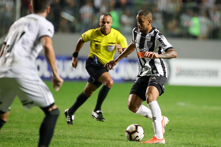Jair foi o destaque do Atlético contra o Botafogo.