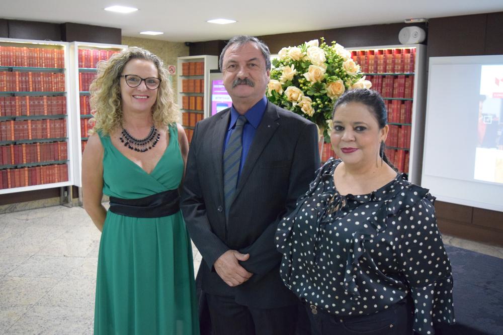 Organizadores da formatura, Cácia Stumpf, Luíz Chavez e Djoá Braulina