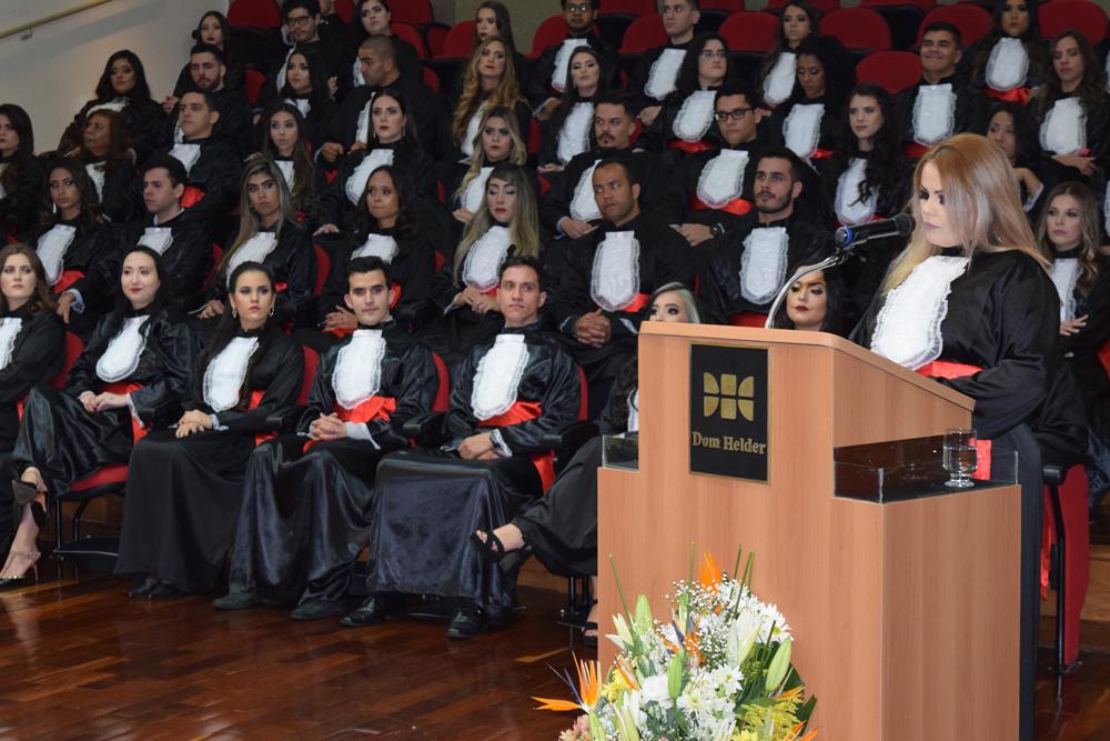 A oradora das turmas Sarah Cristiane Gomes Costa