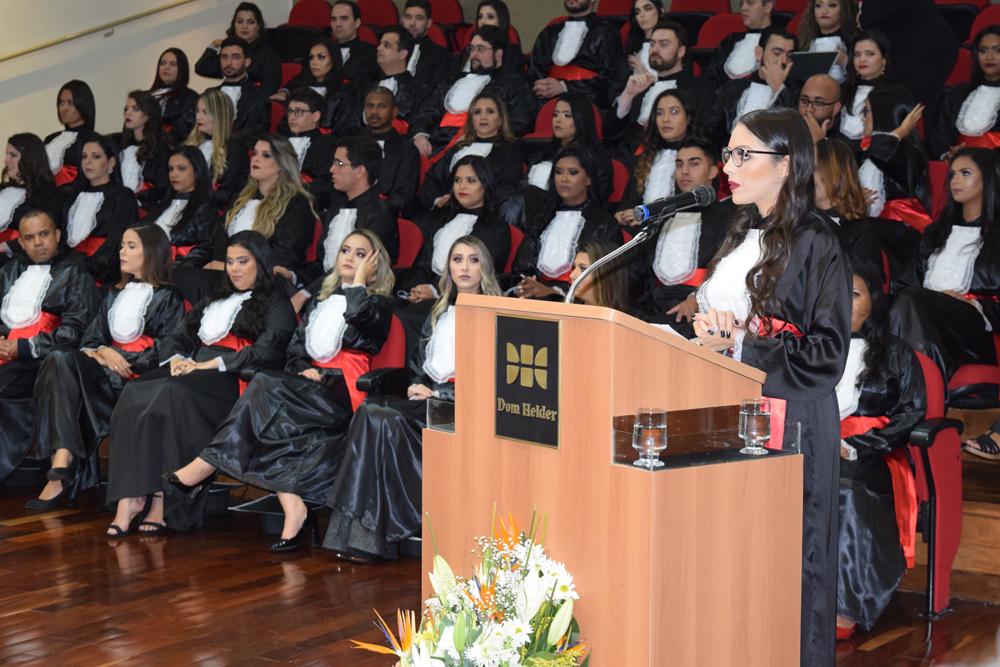 Rafaela Machado foi a oradora das turmas da noite