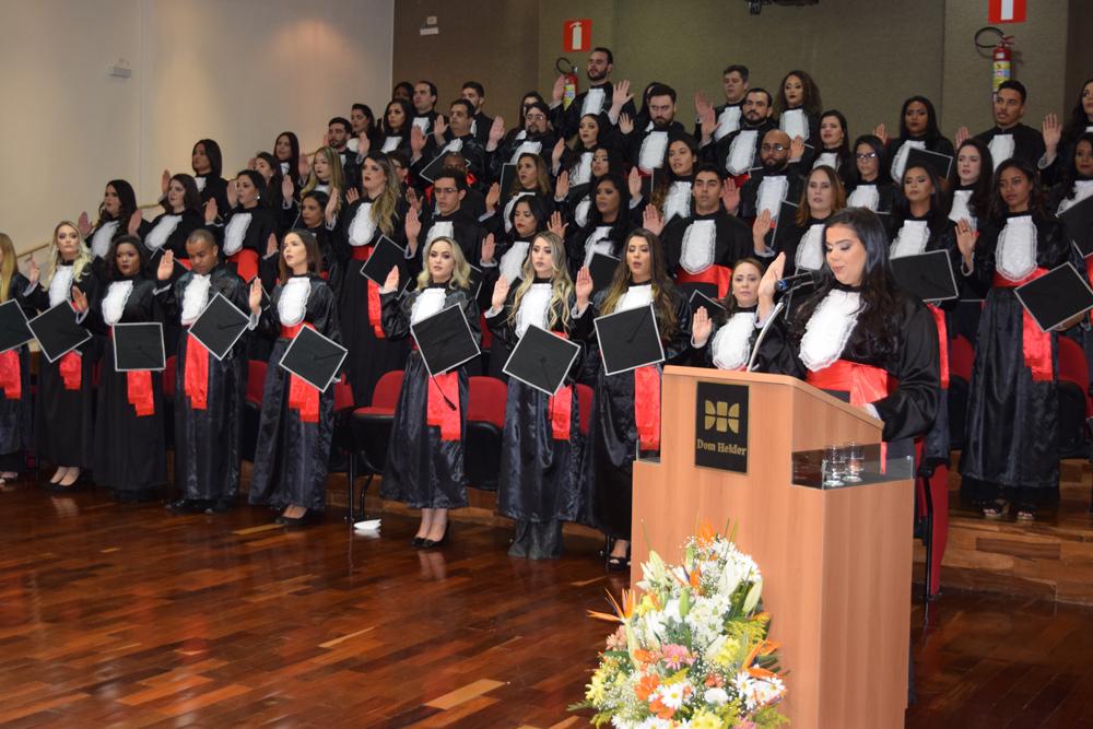 A formanda Beatriz Pereira proferiu o juramento