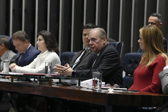 O relator da reforma na CCJ do Senado, Tasso Jereissati (PSDB-CE), prometeu entregar o parecer em até três semanas.